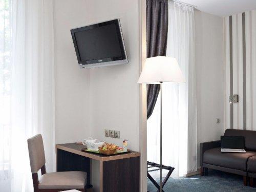 Arverna hotel vichy confort plus chambre salon vertical
