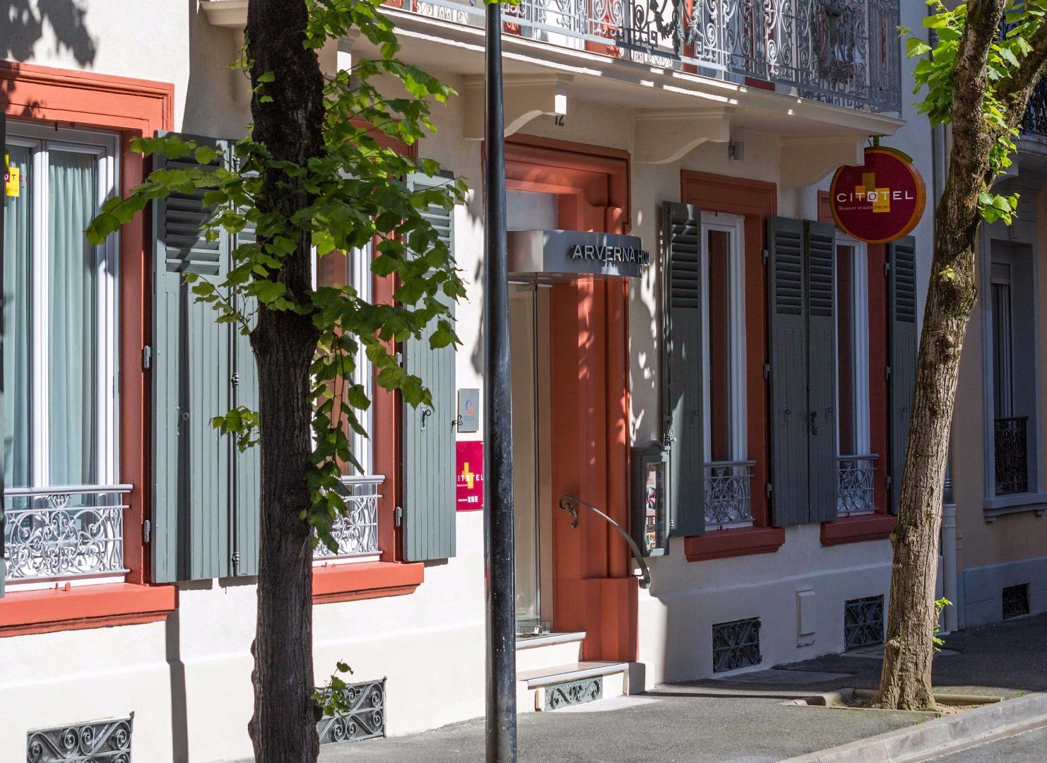 Photos officielles de l 39 arverna h tel vichy for Entree hotel