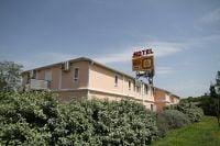 Ptit_Dej_Hotel_Bordeaux_Lac_exterieur.jpg