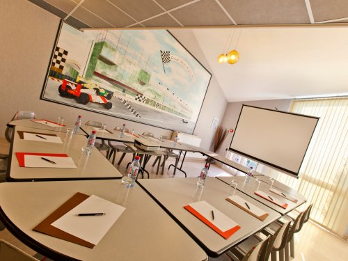 hotel du circuit nevers magny cours 28 1