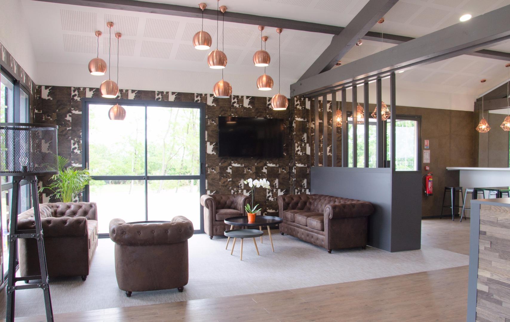 galerie photos comfort hotel agen le passage. Black Bedroom Furniture Sets. Home Design Ideas