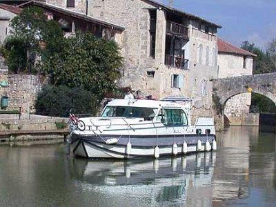 Embarquez Buzet-sur-Baïse pour un parcours fluvial
