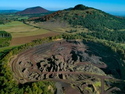 Le Volcan de Lemptegy