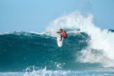 Surfing verdon sur mer