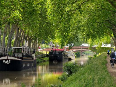 Cycle path : The canal des deux mers  - 10 mins from the hotel by bike