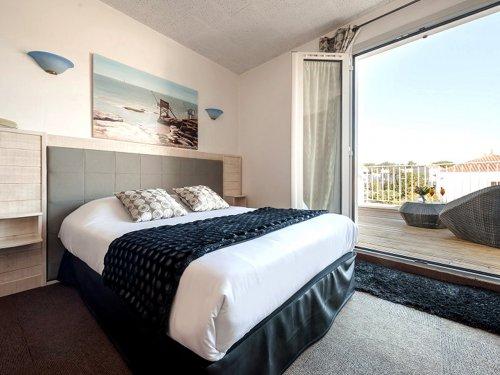 chambre double luxe hotel de la plage saint palais 2