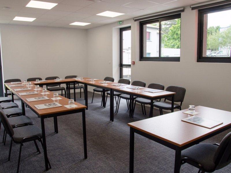 35m² seminar room