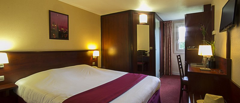 hotel lormont 33 4