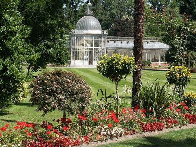La  ville de Tarbes, son haras, ses jardins...