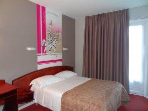 LAST MINUTE  ! RESERVEZ EN DIRECT 05 62 93 03 64  Votre chambre confort au meilleur prix, Wifi gratuit, parking gratuit
