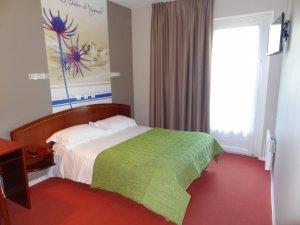 Bienvenue chez nous ! Réservez en direct  ! OFFRE SPECIALE, votre hotel tarbes !  Surclassement offert pour toute réservation en direct