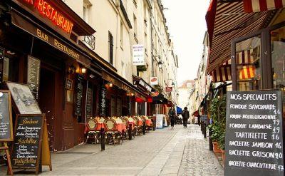 640px Rue Mouffetard Paris