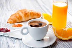 Enjoy free breakfast in Paris