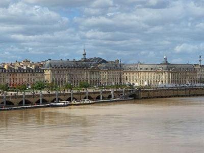 Visitez Bordeaux en bateau