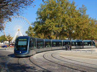 Visitez Bordeaux en Tramway B : de la Cathédrale Pey Berland à la Cité du Vin