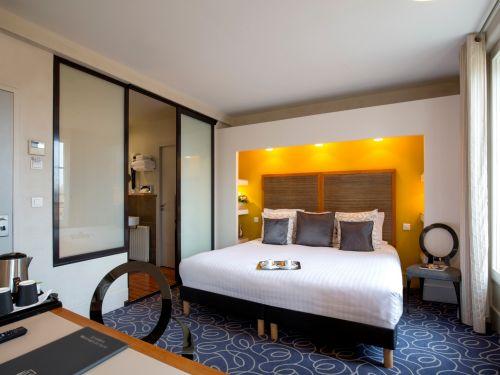 Chambre superieure hotel de Normandie 4 etoiles Bordeaux 1