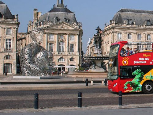 Guided tours of Bordeaux