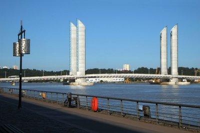 balade deux ponts bordeaux pont de pierre pont chaban delmas hotel centre ville