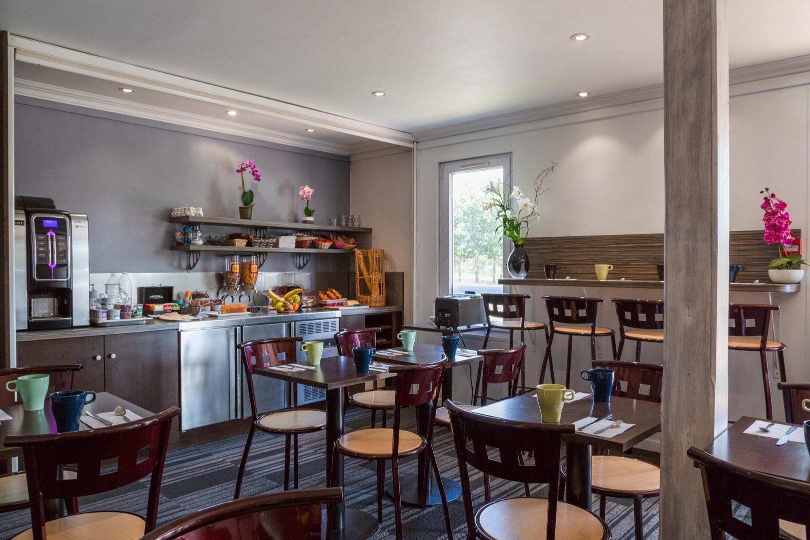 hotel bordeaux lac p 39 tit dej devient the originals access site officiel. Black Bedroom Furniture Sets. Home Design Ideas