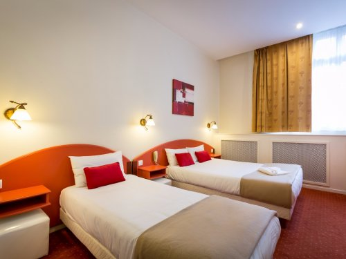Chambre triple raymond 4 hotel toulouse 2
