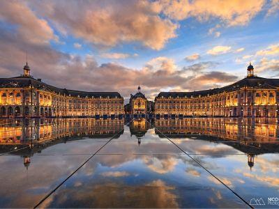 Place de La Bourse et son Miroir d'Eau