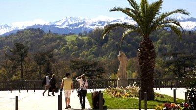 Boulevard des Pyrenees Square Aragon