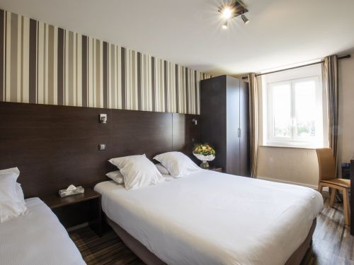 2020 09 Hotel Les Sables dOr Chambre 201 2