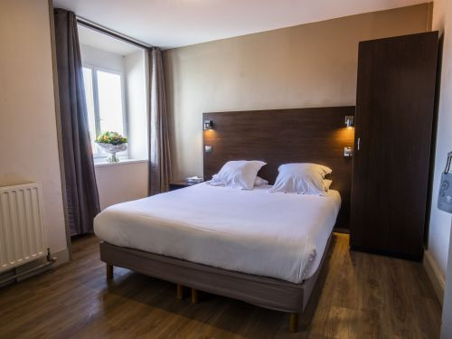 2020 09 Hotel Les Sables dOr Chambre 207 2