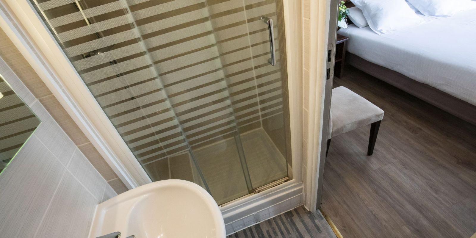 2020 09 Hotel Les Sables dOr Chambre 114 3