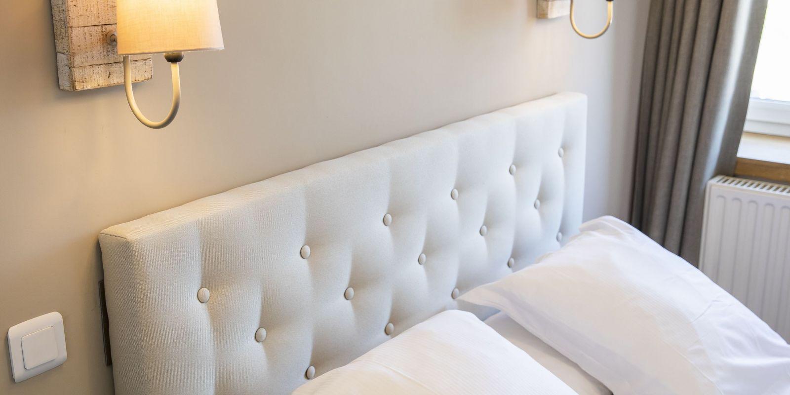 2020 09 Hotel Les Sables dOr Chambre 205 9