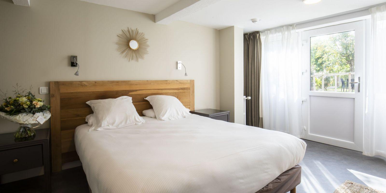 2020 09 Hotel Les Sables dOr Chambre 301 4