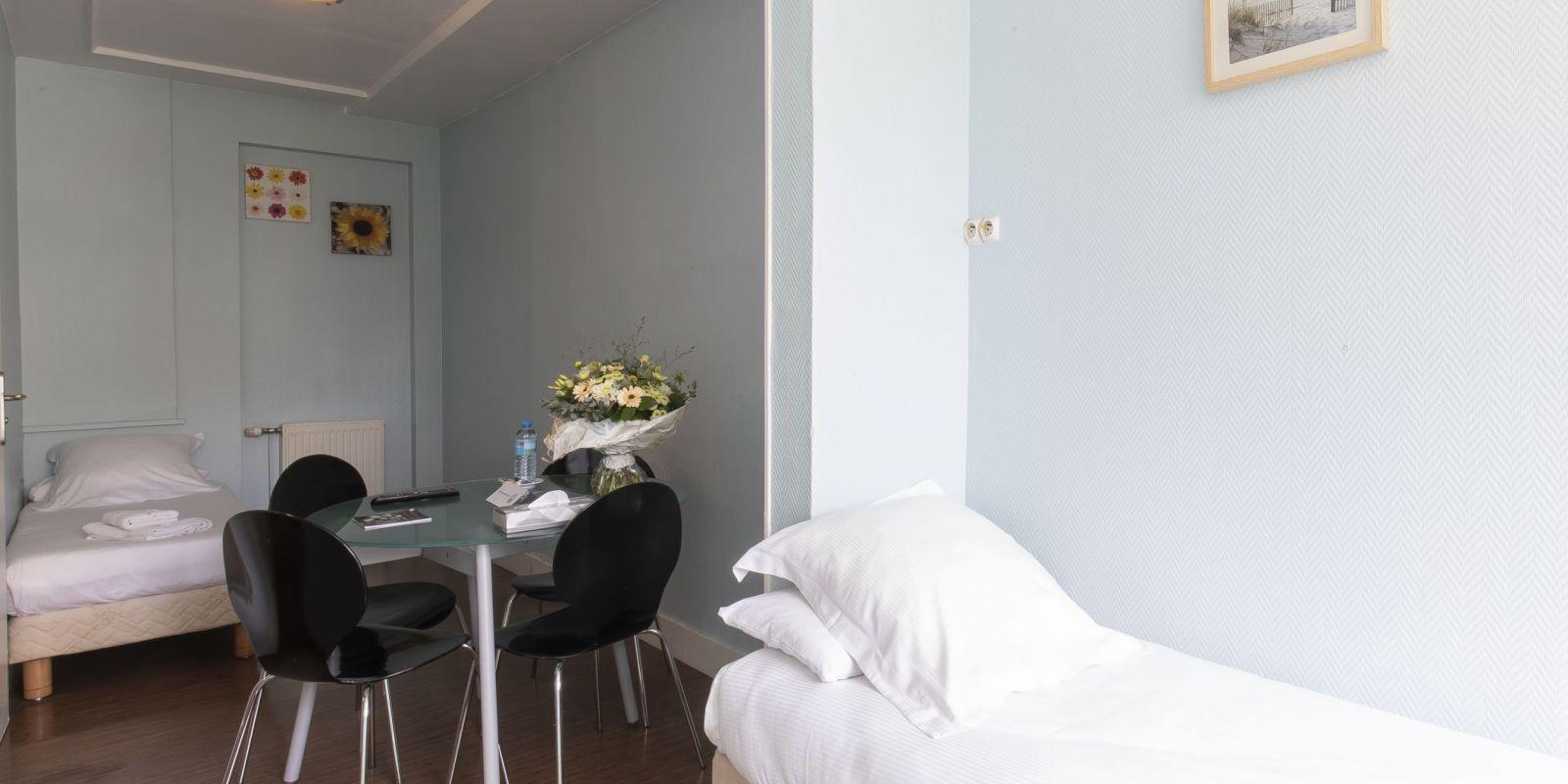 2020 09 Hotel Les Sables dOr Chambre 401 7