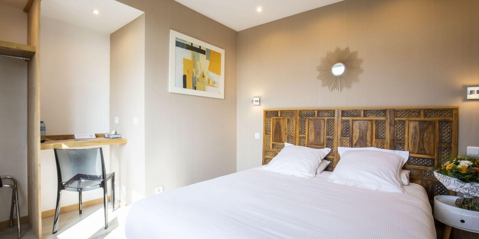 2020 09 Hotel Les Sables dOr Chambre 406 4