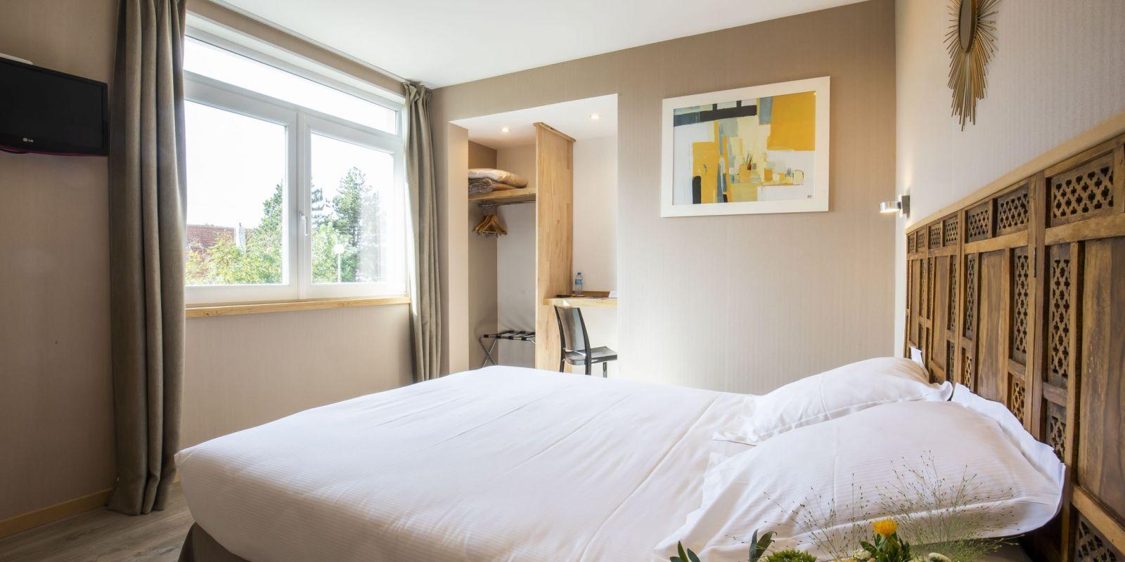 2020 09 Hotel Les Sables dOr Chambre 406 6