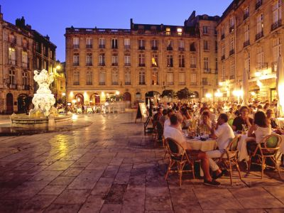 Le cœur de Bordeaux : richesse de l'architecture XVIII° et shopping