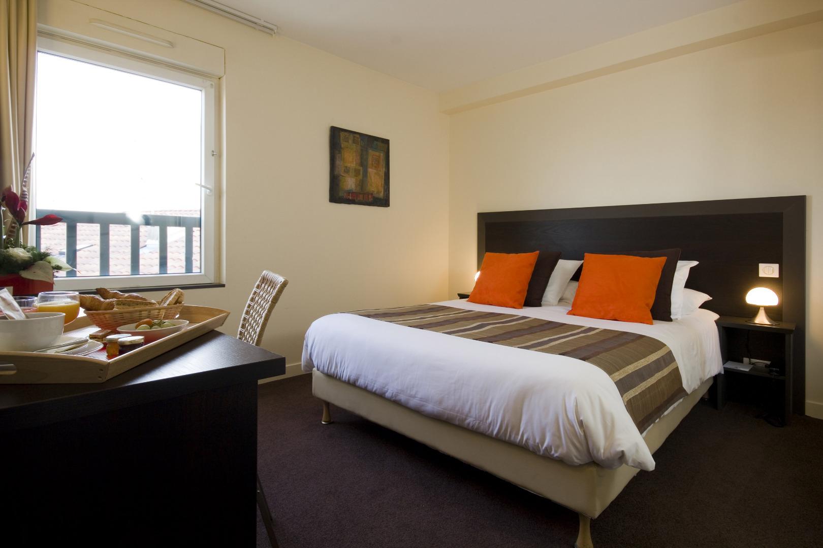 Chambre Double Standard (Côté cour) | Hotel Relais St Jacques